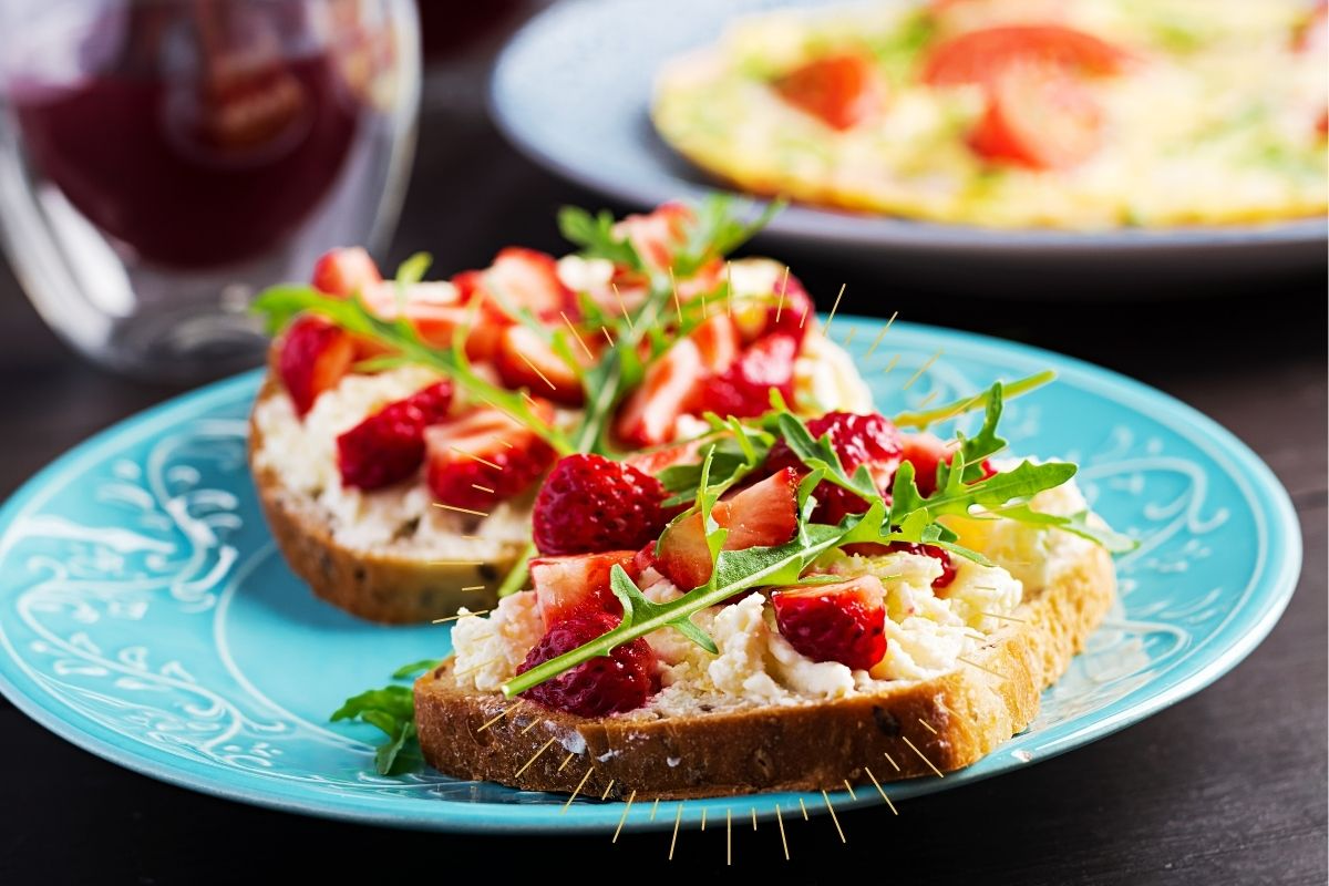 Strawberry & Goat Cheese Toast